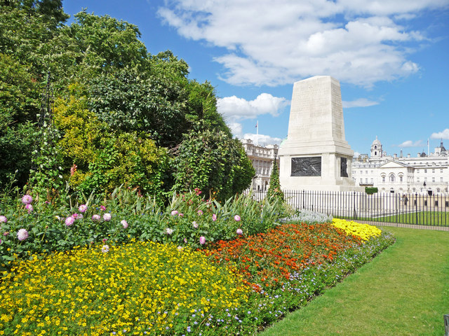 Flowerbed, St James's Park, London SW1 - geograph.org.uk - 1409084