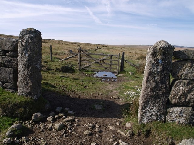 Gateways on the Dartmoor Way - geograph.org.uk - 593557