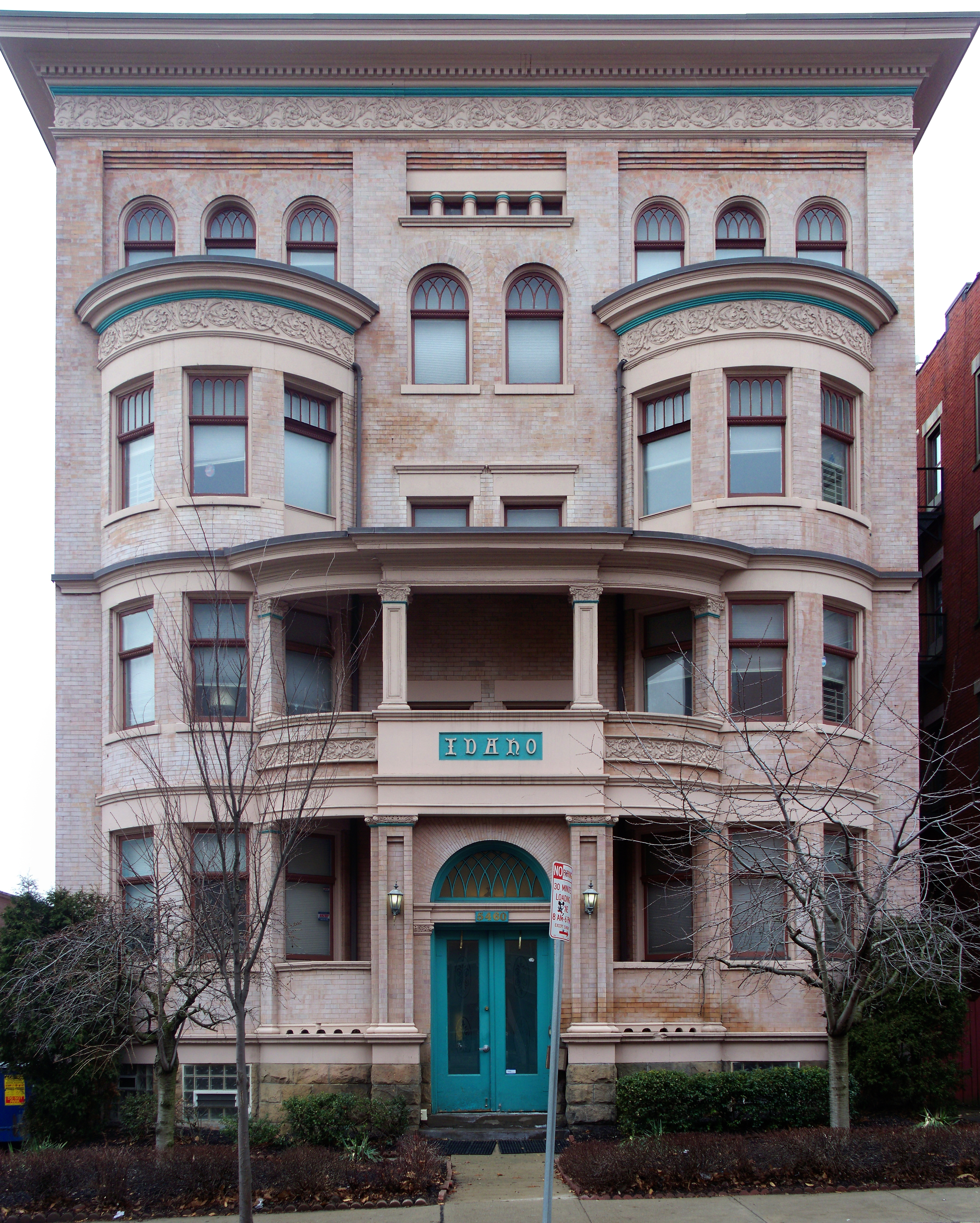 Garfield Park Apartments: File:Idaho Apartments, Garfield, Pittsburgh, 2015-04-02