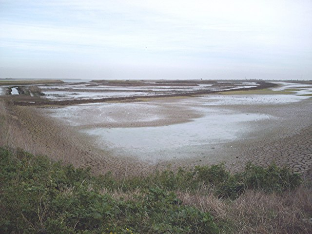 Islands and lagoons - Ringwood Point - geograph.org.uk - 337320