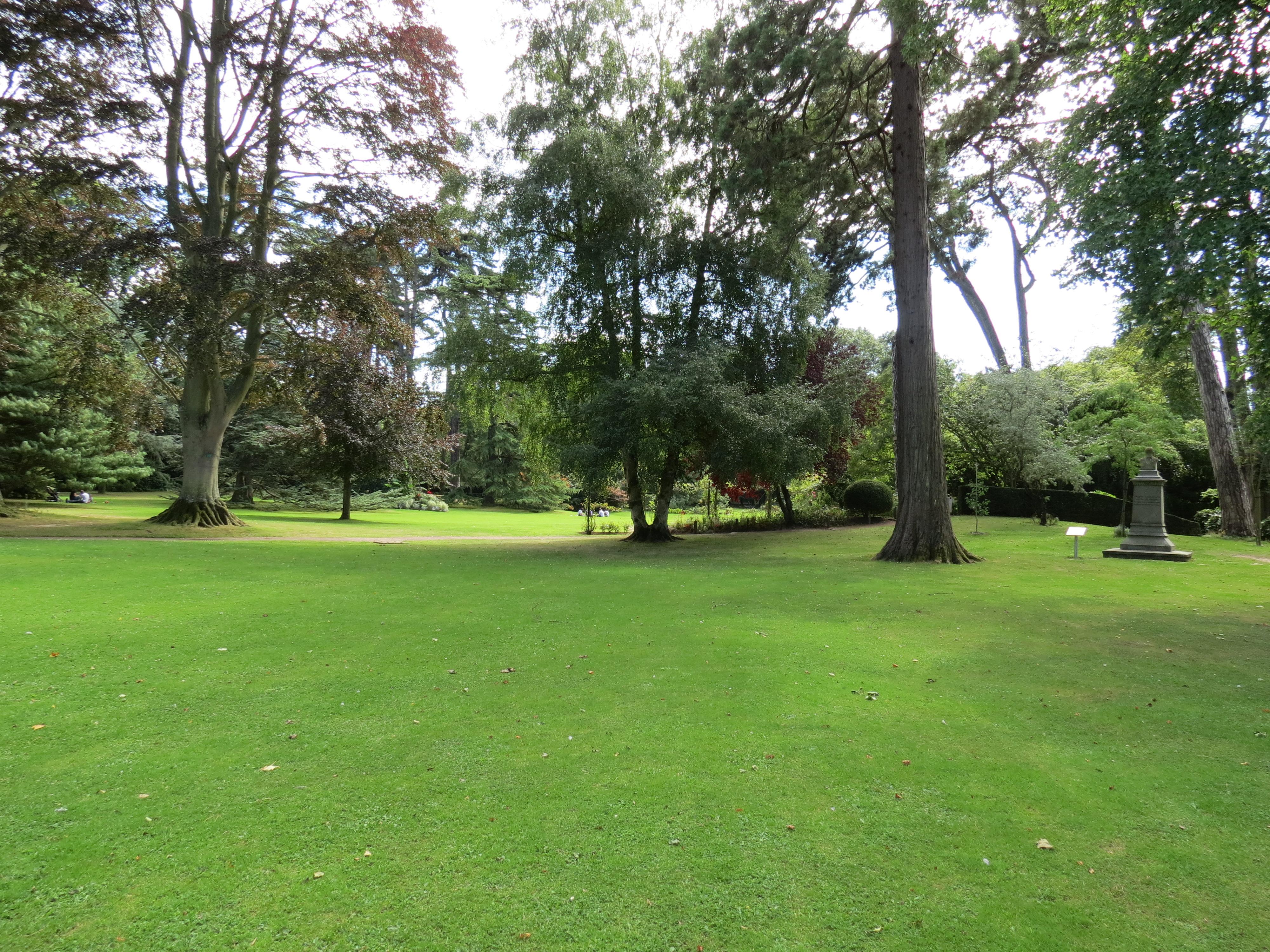 File jardin public de bayeux 3 jpg wikimedia commons for Entretien jardin bayeux