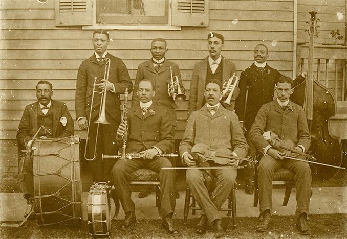 Bestand:John Robichaux Orchestra 1896.jpg