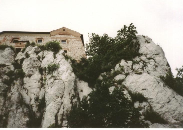File:Limestone in Tyniec (Krakow, Poland).jpg