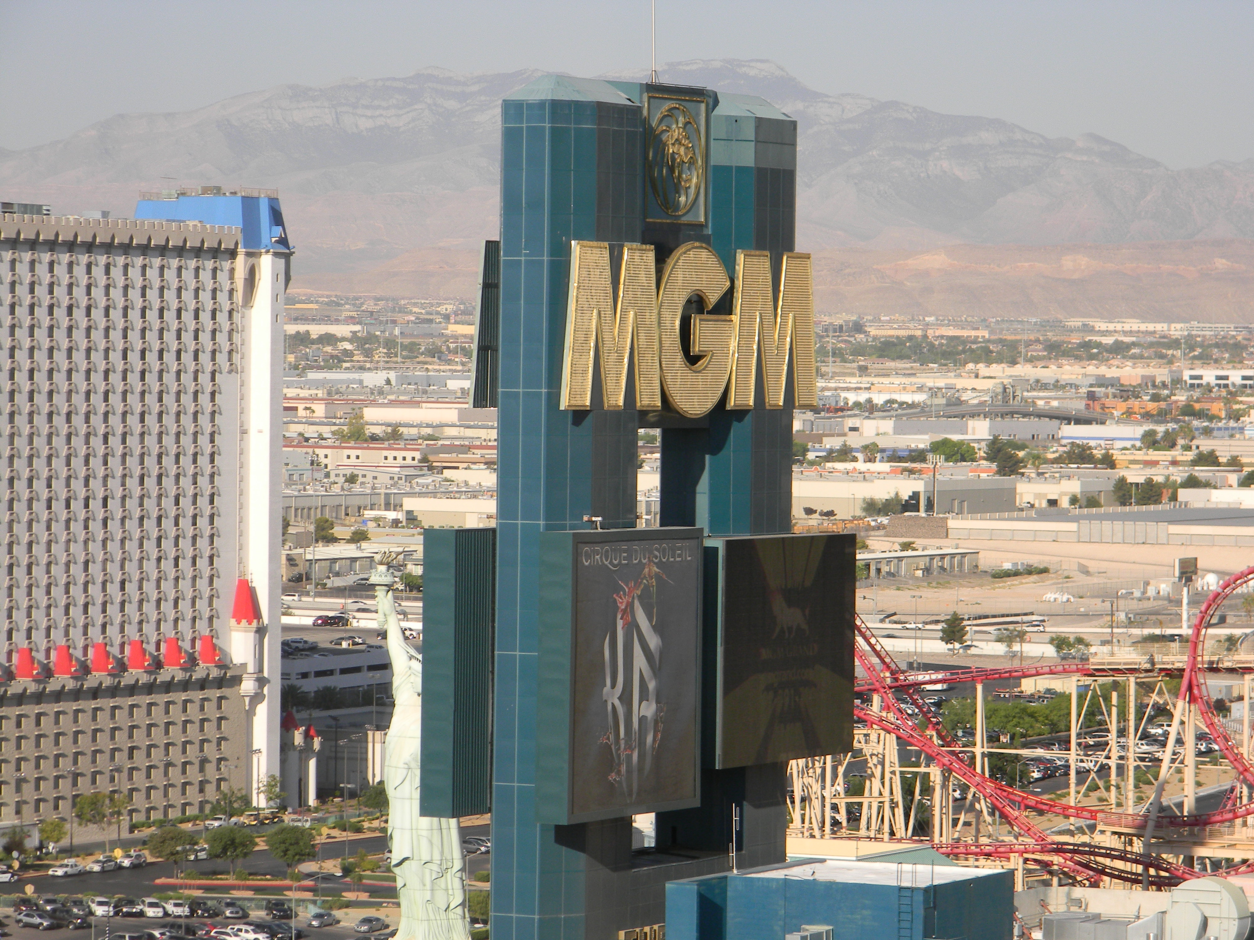 File Mgm Grand Hotel Las Vegas Front Sign Jpg Wikimedia Commons