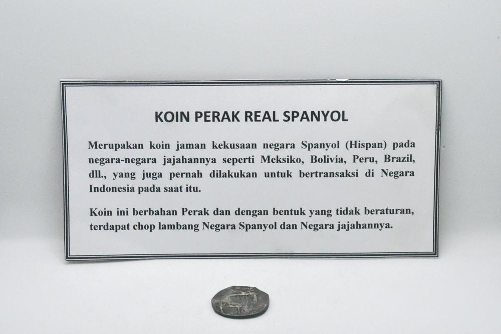 File:MUS Koin perak Real Spanyol; 1.jpg
