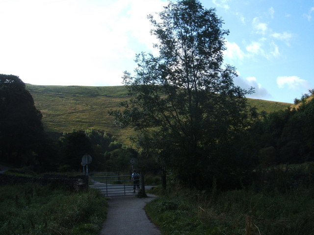Manifold Way, walking south from Hulme End - geograph.org.uk - 1453083