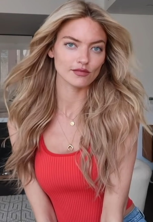 The 31-year old daughter of father (?) and mother(?) Martha Hunt in 2020 photo. Martha Hunt earned a  million dollar salary - leaving the net worth at 1 million in 2020