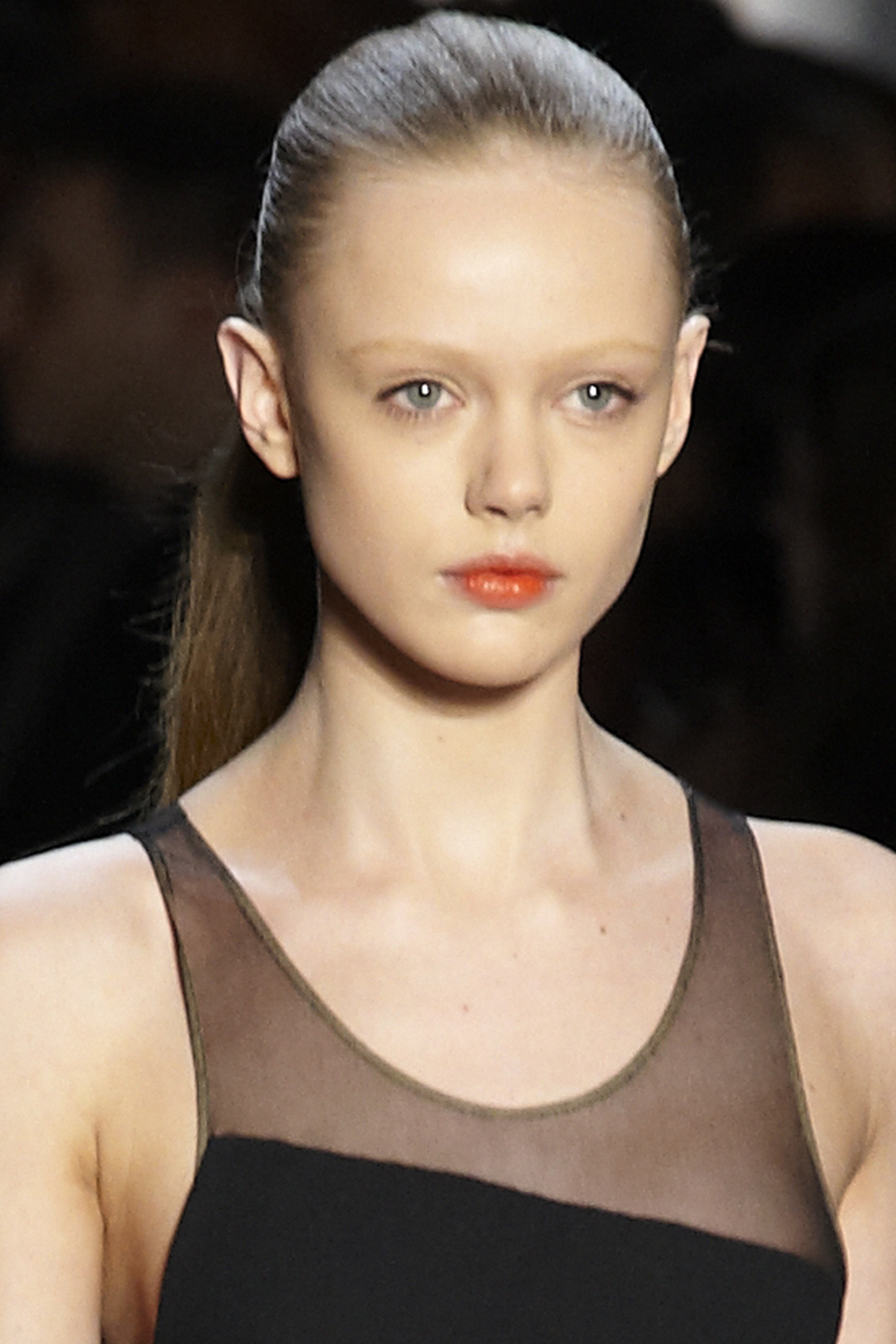 The 27-year old daughter of father (?) and mother(?) Frida Gustavsson in 2021 photo. Frida Gustavsson earned a  million dollar salary - leaving the net worth at 1 million in 2021