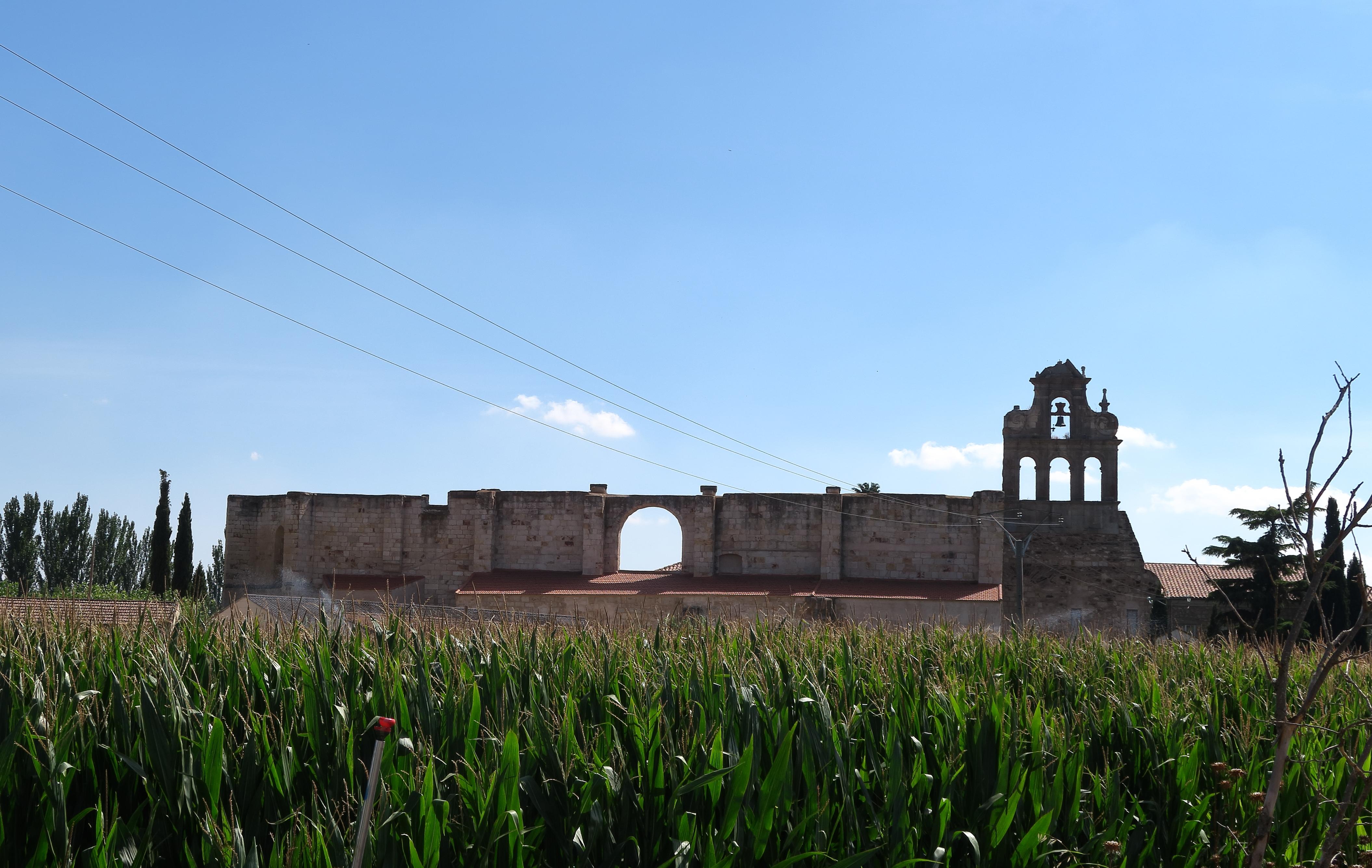 File:Monasterio de San Leonardo, Alba de Tormes jpg