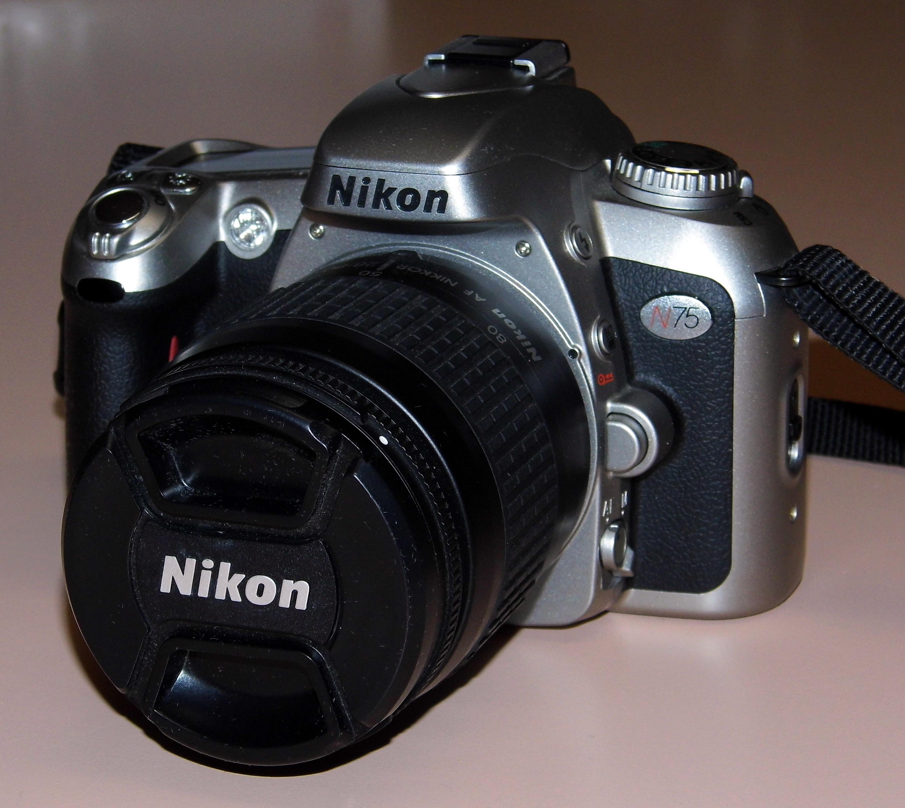 Filenikon Model N75 35mm Slr Film Camera With Nikkor 28 80mm F33
