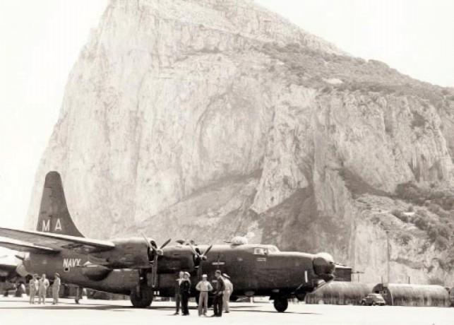 File:PB4Y-2S VP-23 at Gibraltar 1951.jpg