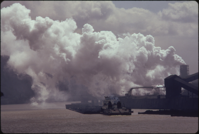 File:POLLUTANTS HANG IN THE AIR ALONG THE MONONGAHELA