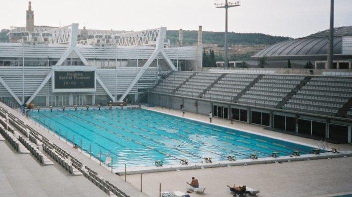 File piscinas bernat picornell wikimedia for Piscinas gratis barcelona