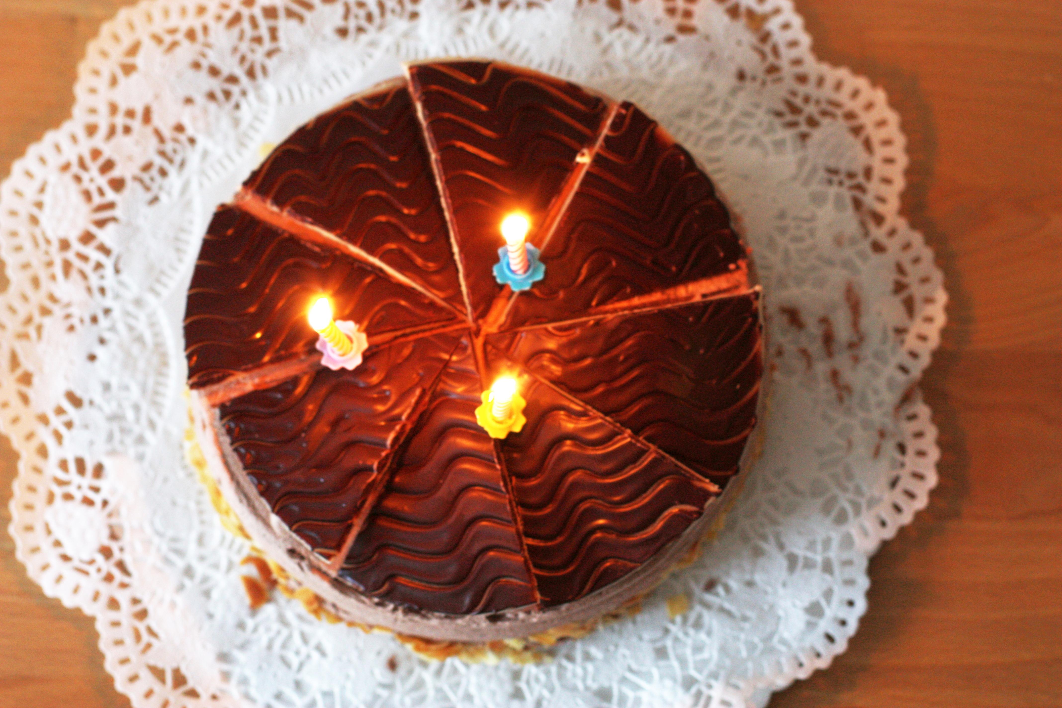 File Schokoladentorte Buttercreme Tulpen Dritter Geburtstag 113 Jpg