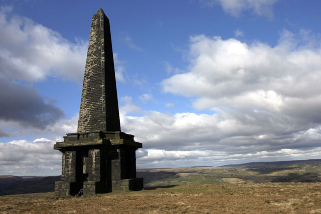 Stoodley Pike - geograph.org.uk - 471