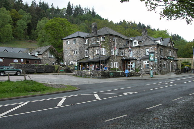 Swallow Falls Hotel - geograph.org.uk - 173772