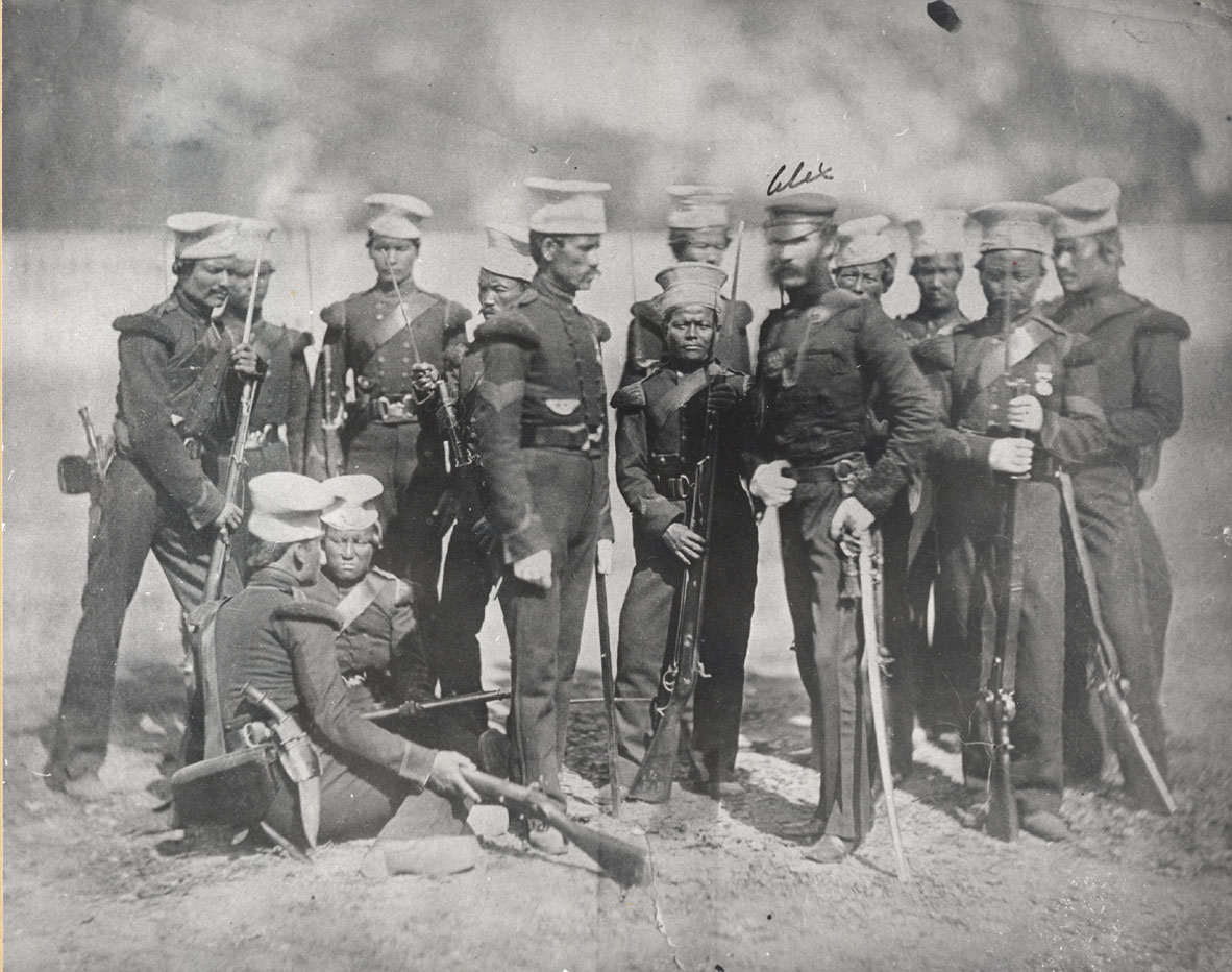 http://upload.wikimedia.org/wikipedia/commons/a/ad/The_Nusseree_Battalion.JPG?uselang=es