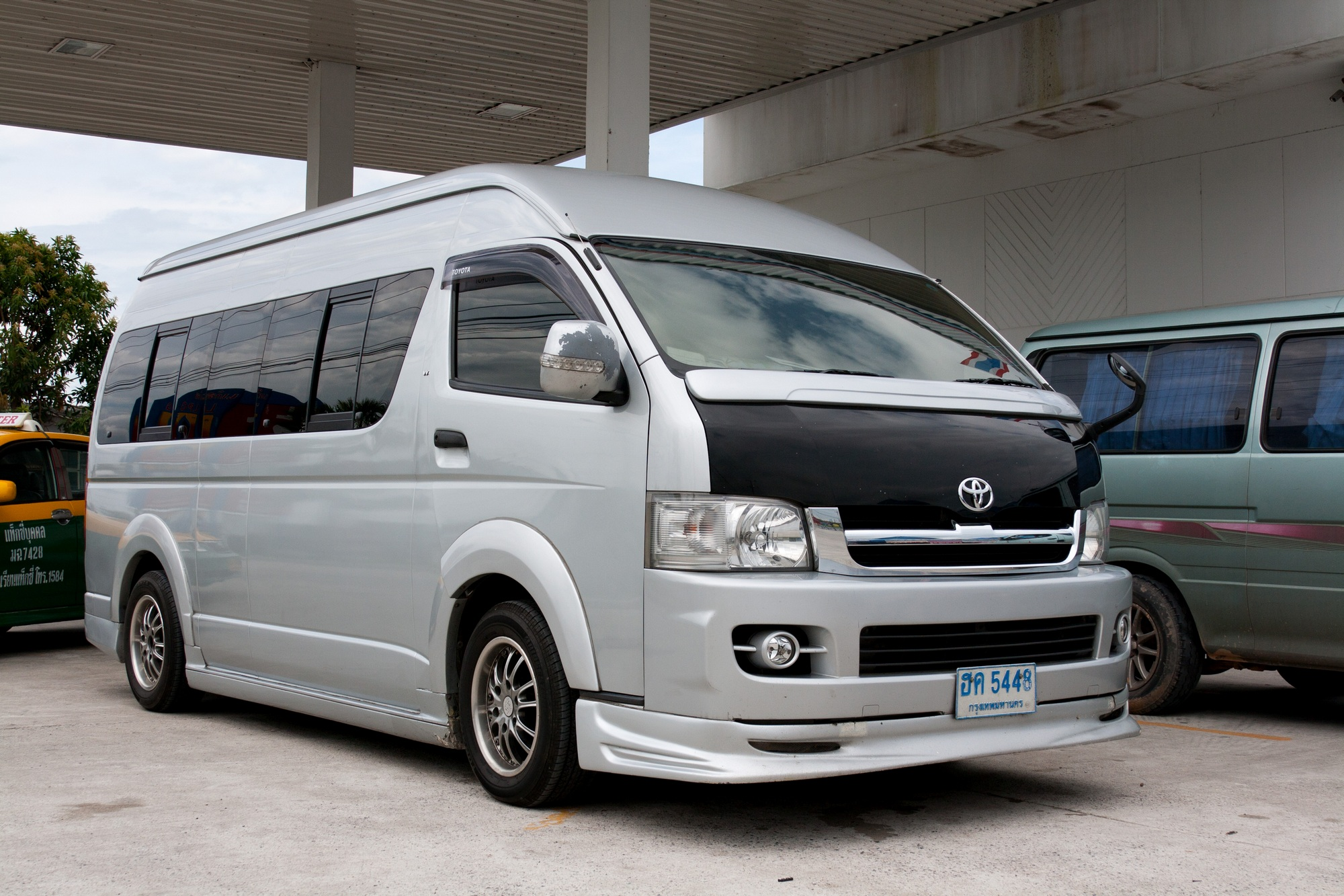 File Toyota Hiace In Thailand Jpg