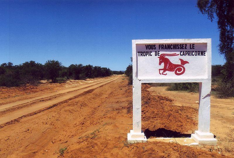File:Tropico del capricorno Madagascar Regione di Atsimo-Andrefana.jpg