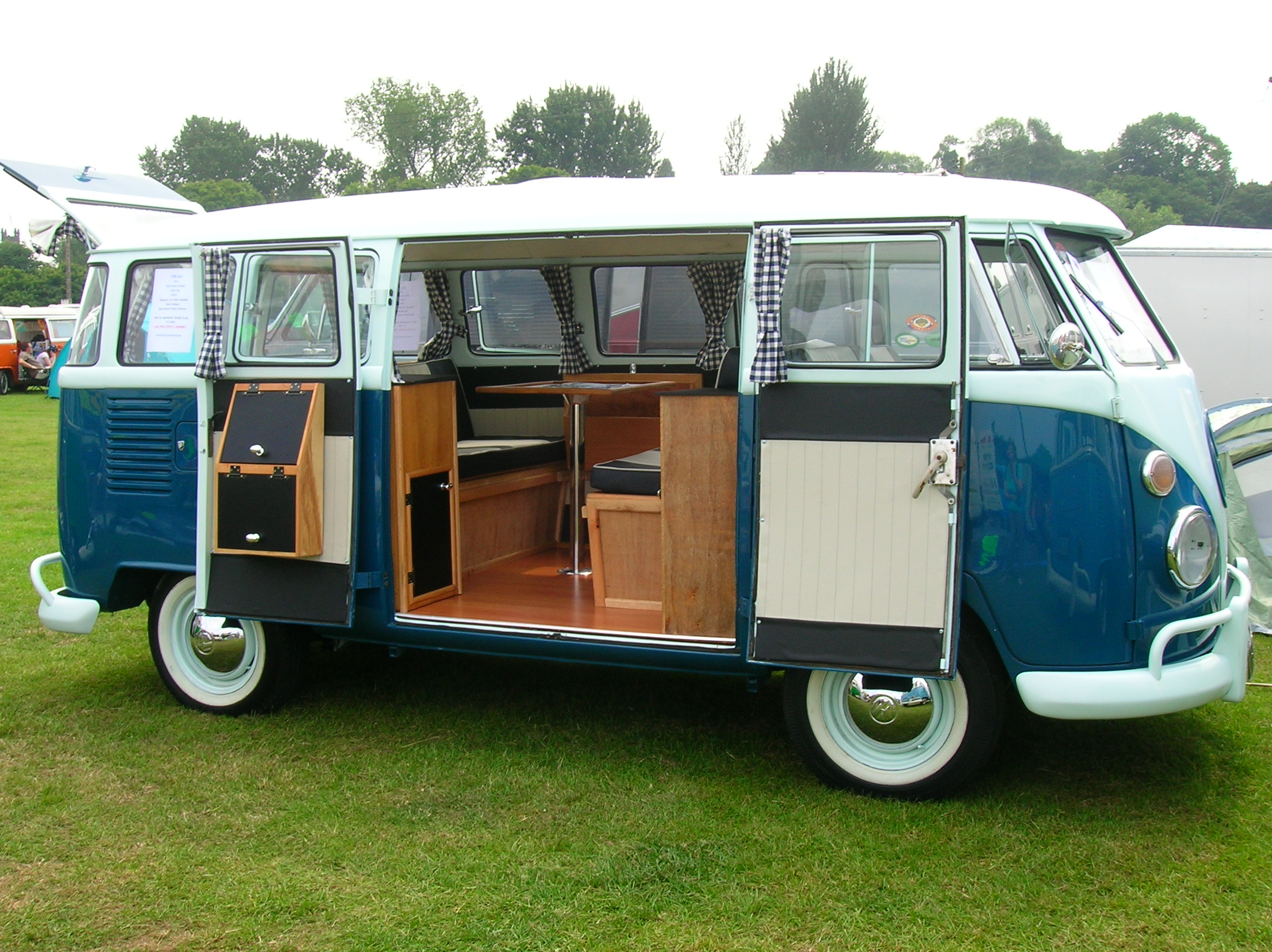 volkswagen t1 camper van split bus classic vw buses. Black Bedroom Furniture Sets. Home Design Ideas