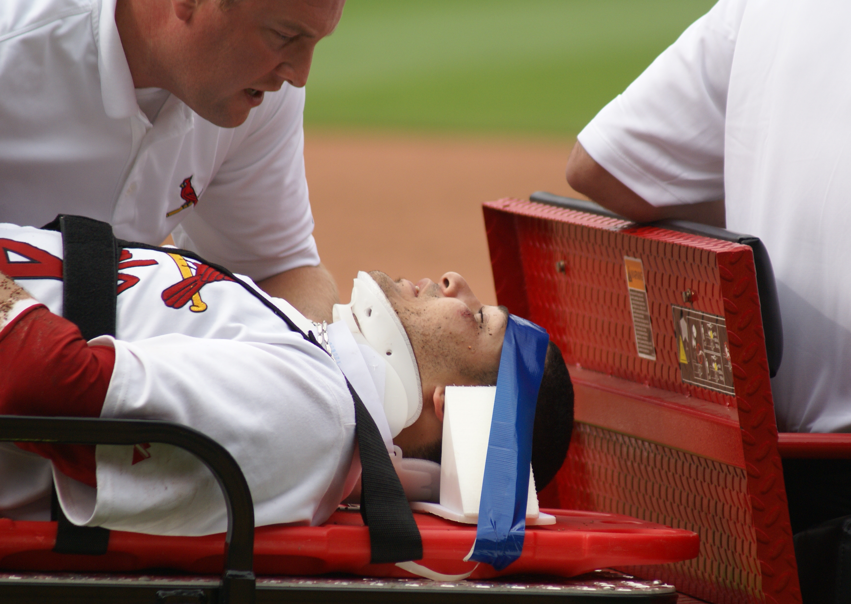 File:Yadier Molina with a concussion in June 2008.jpg