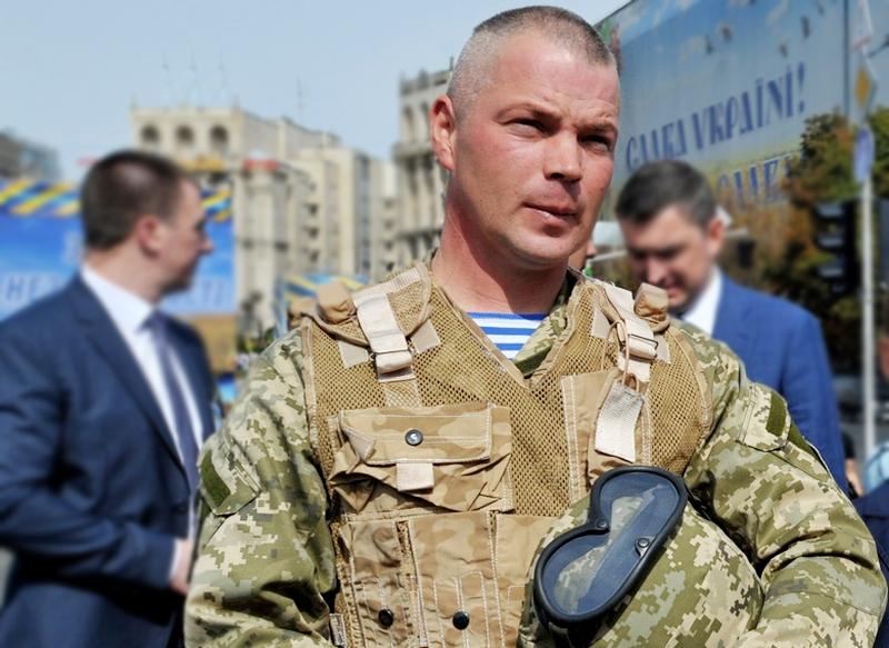 Порошенко присвоил звание Героя Украины лейтенанту Тарасюку с вручением ордена и капитану Лоскоту посмертно - Цензор.НЕТ 2165