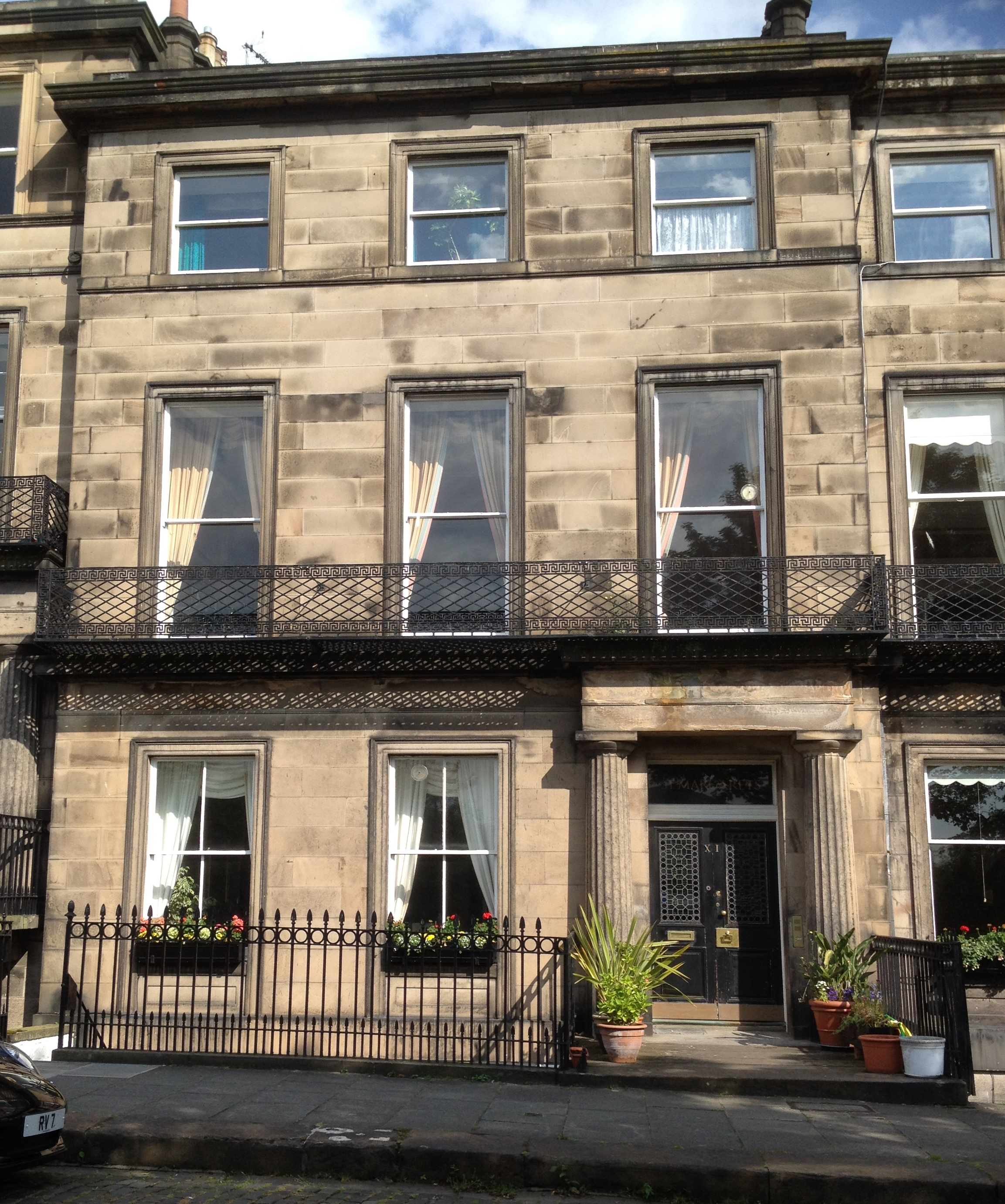 File 11 regent terrace edinburgh jpg wikimedia commons for 55 buckstone terrace edinburgh