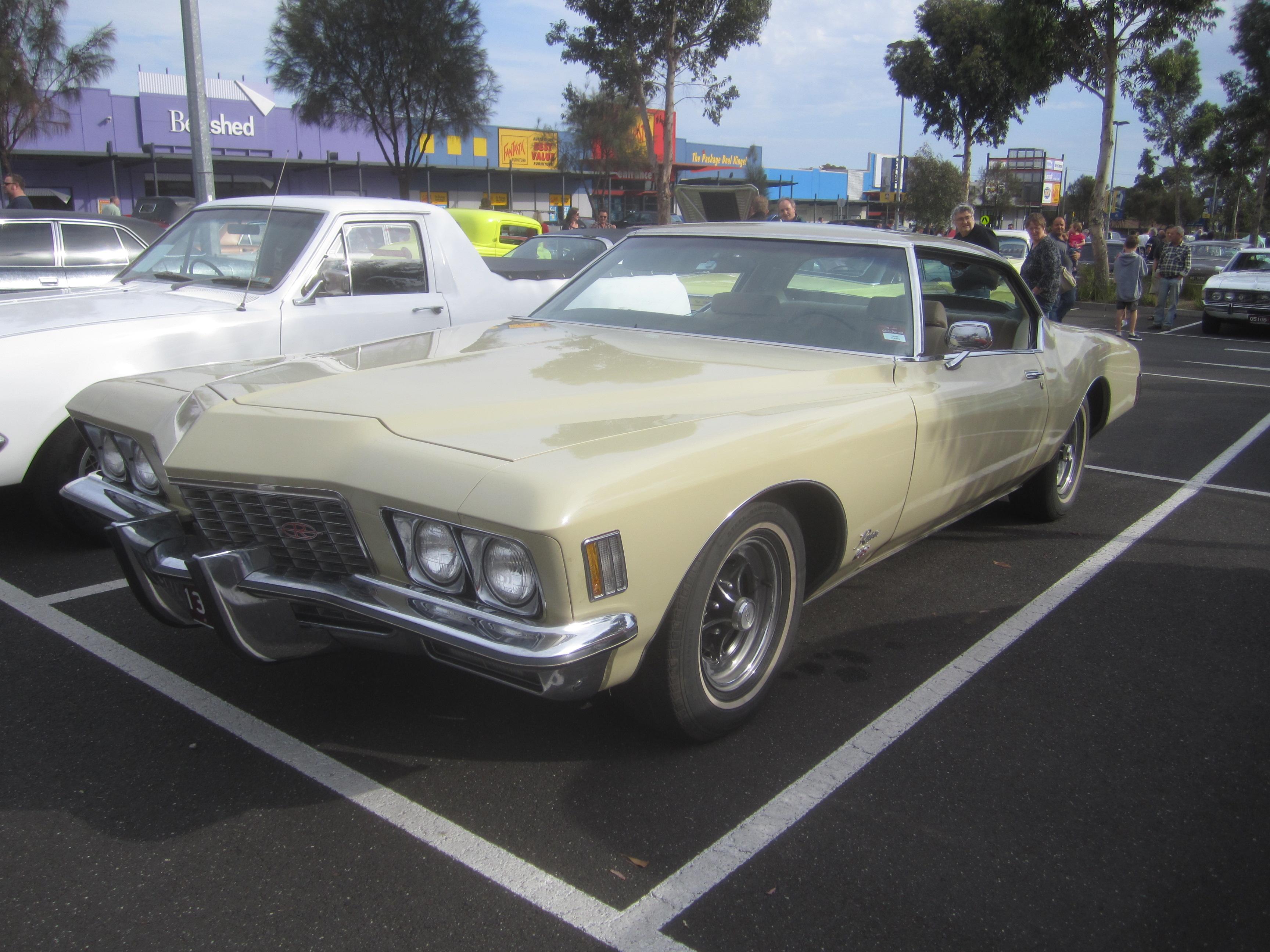 File:1972 Buick Riviera GS Hardtop.jpg - Wikimedia Commons