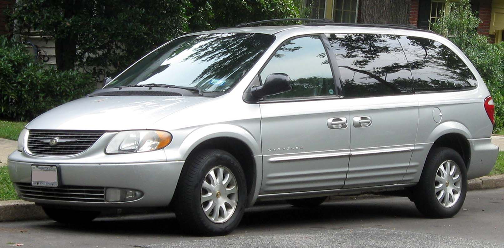 file 2001 2004 chrysler town country 07 04 wikimedia. Cars Review. Best American Auto & Cars Review