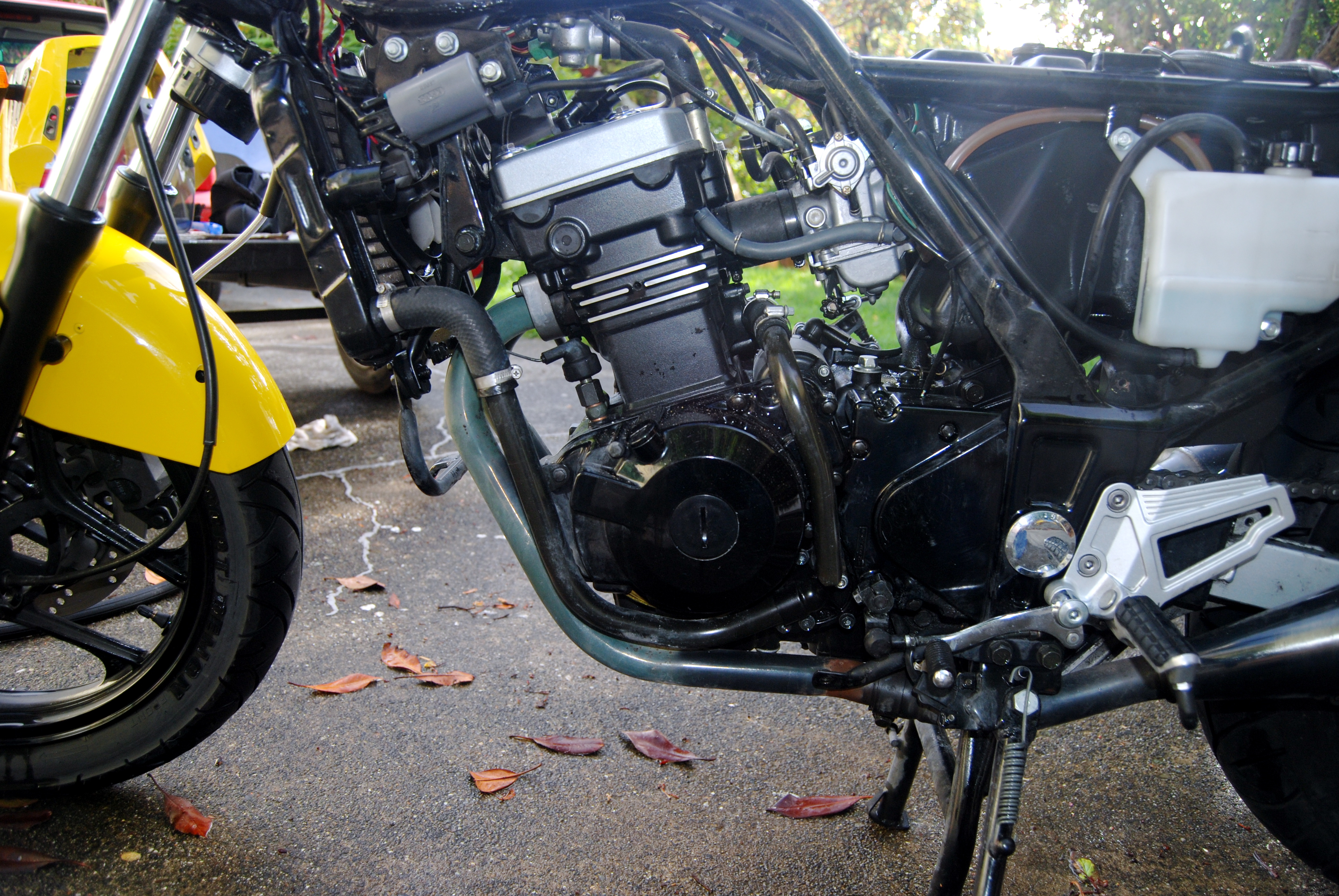 File:2004 Kawasaki Ninja 250 engine 6.jpg - Wikimedia Commons