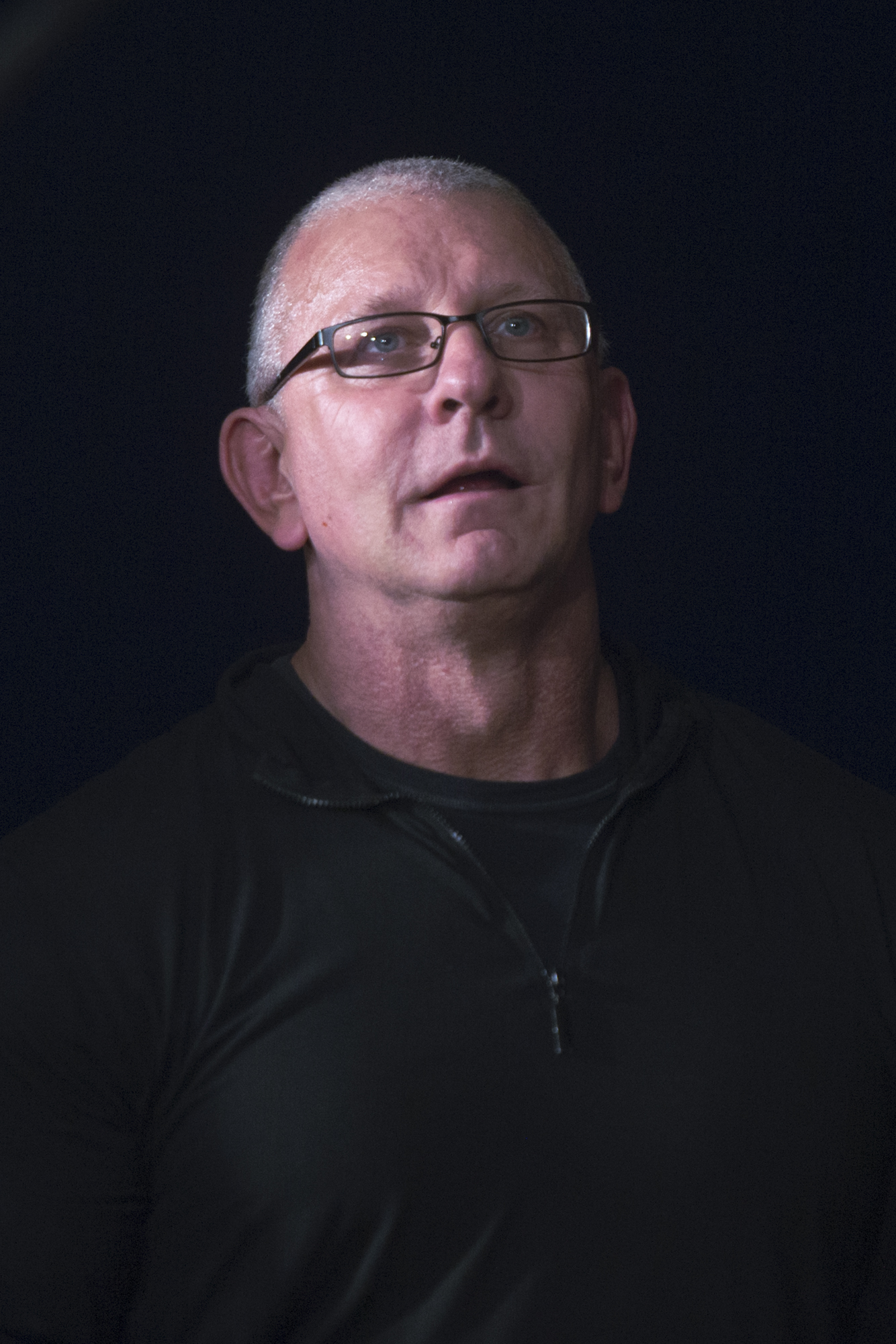 The 53-year old son of father (?) and mother(?) Robert Irvine in 2018 photo. Robert Irvine earned a  million dollar salary - leaving the net worth at 15 million in 2018