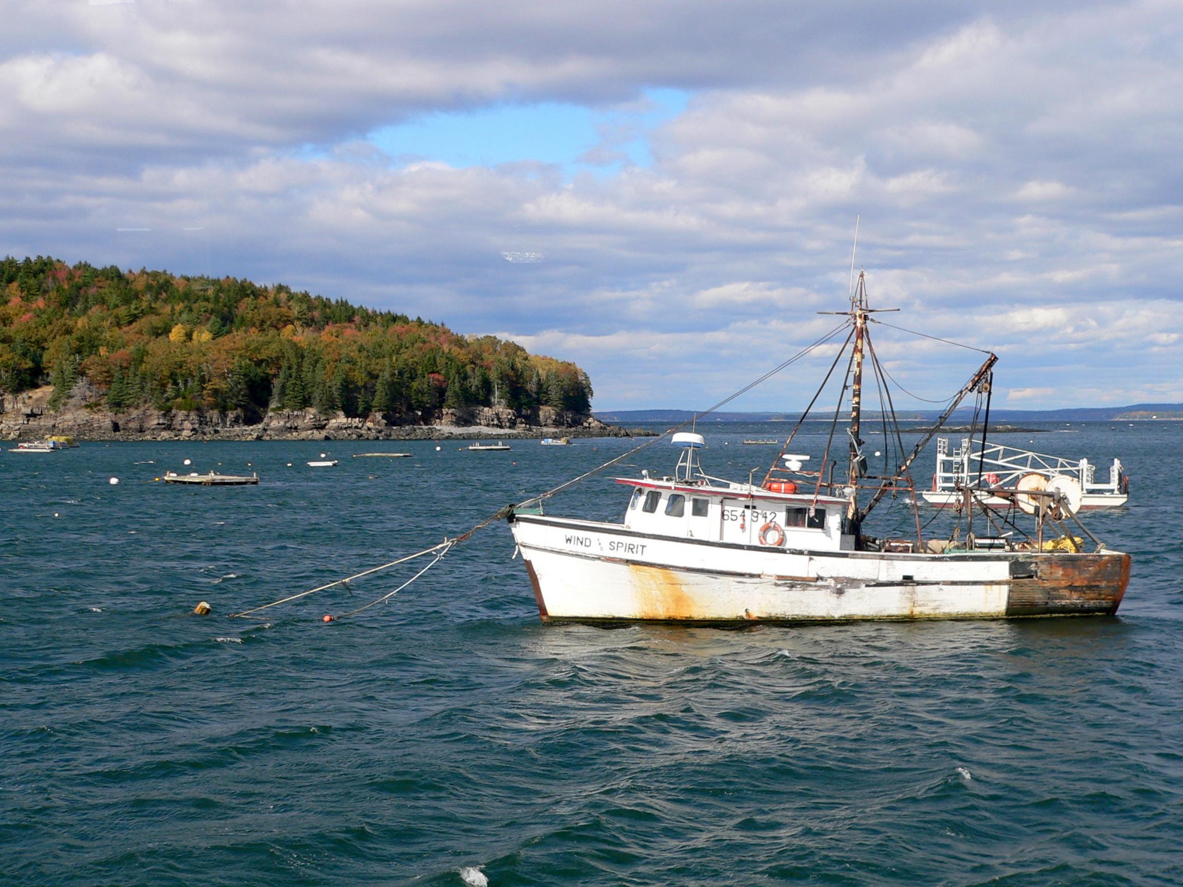 A_Lobster_Boat_at_Bar_Harbor.jpg