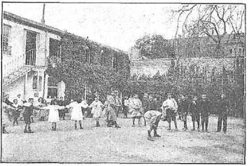 https://upload.wikimedia.org/wikipedia/commons/a/ae/A_la_hora_del_recreo%2C_de_Franzen.jpg