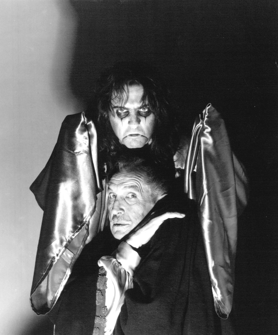 File Alice Cooper Vincent Price 1975 Jpg Wikimedia Commons