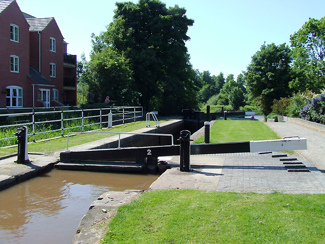 Atherstone Locks No 2, Coventry Canal, Warwickshire - geograph.org.uk - 1139336