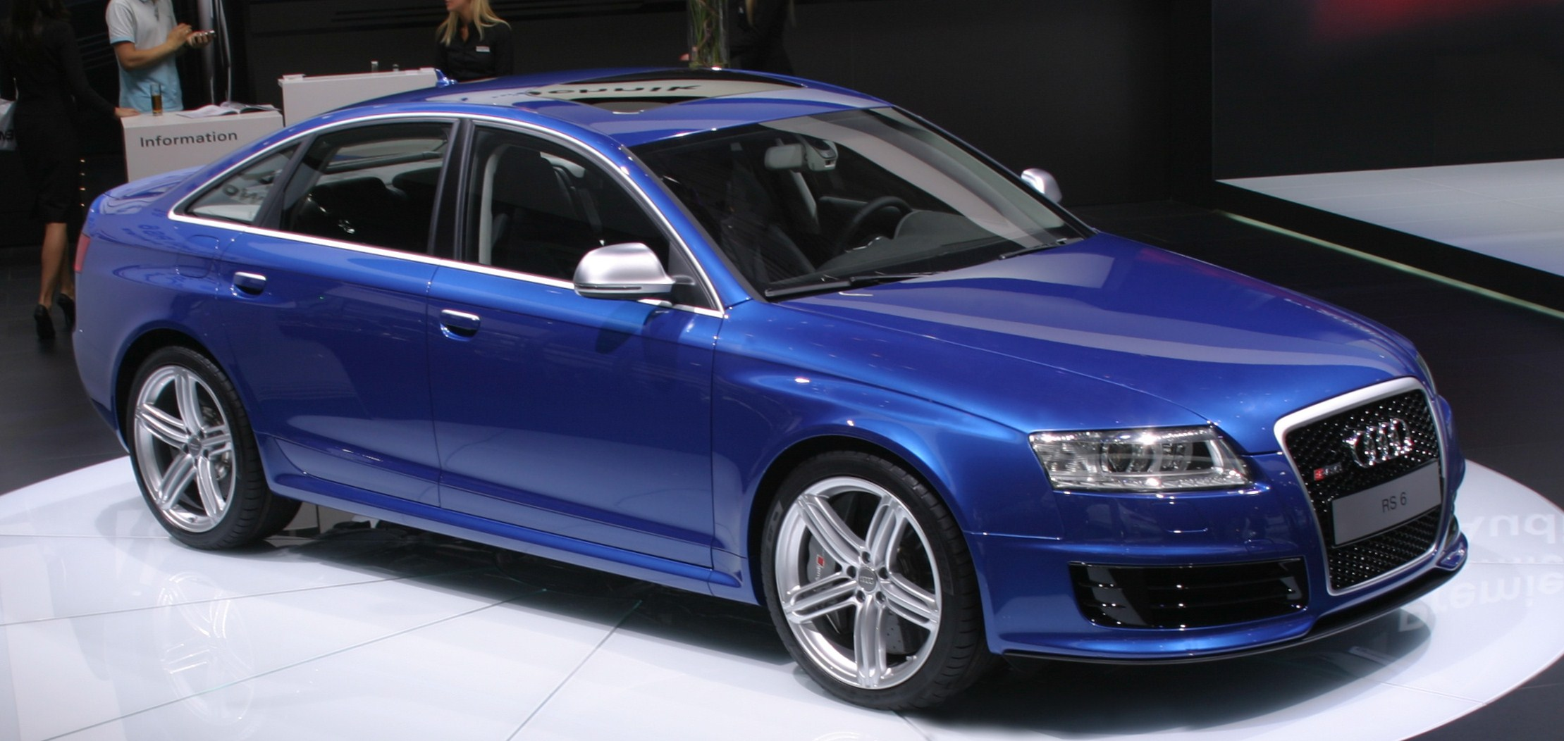 file audi rs6 sedan typ4f world premiere wikimedia commons. Black Bedroom Furniture Sets. Home Design Ideas