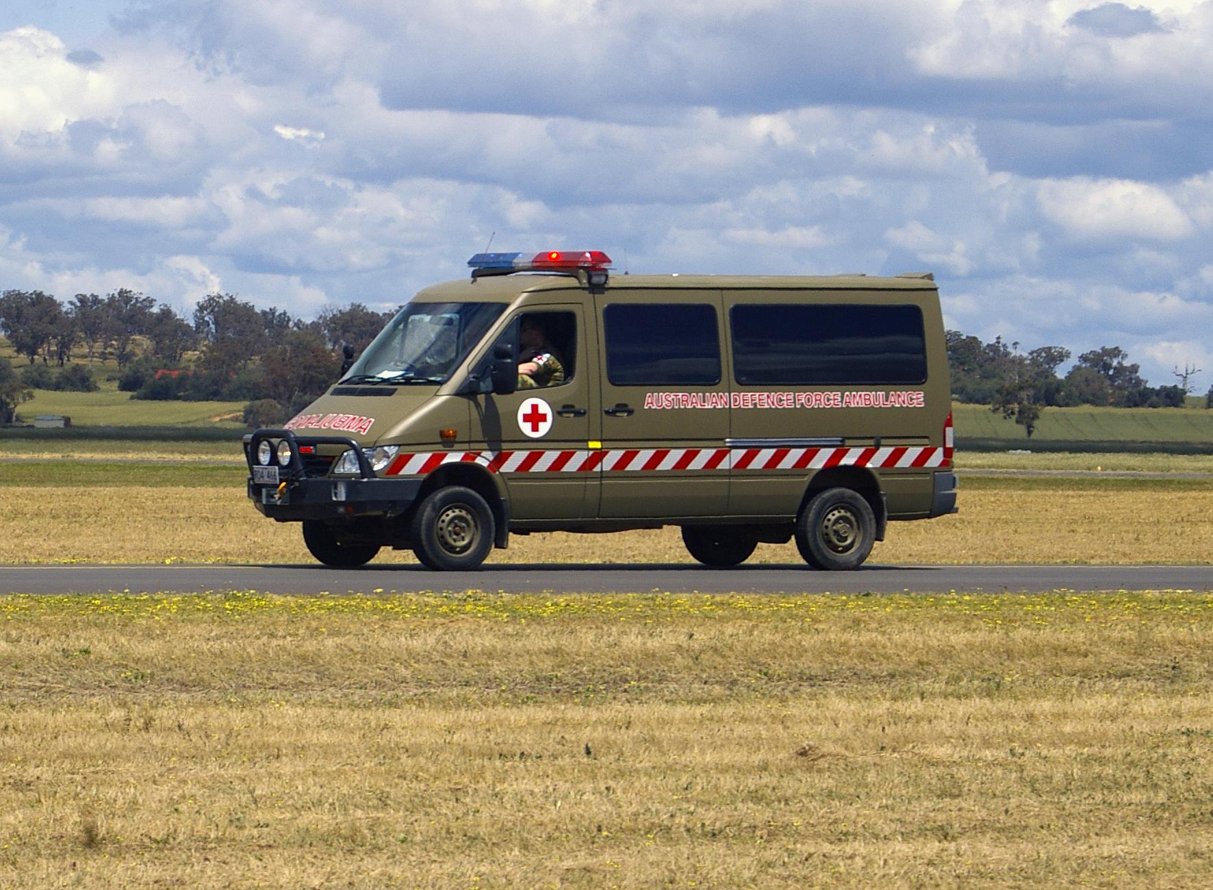 9891d214fa File Australian Defence Force Ambulance - Mercedes-Benz Sprinter.jpg ...