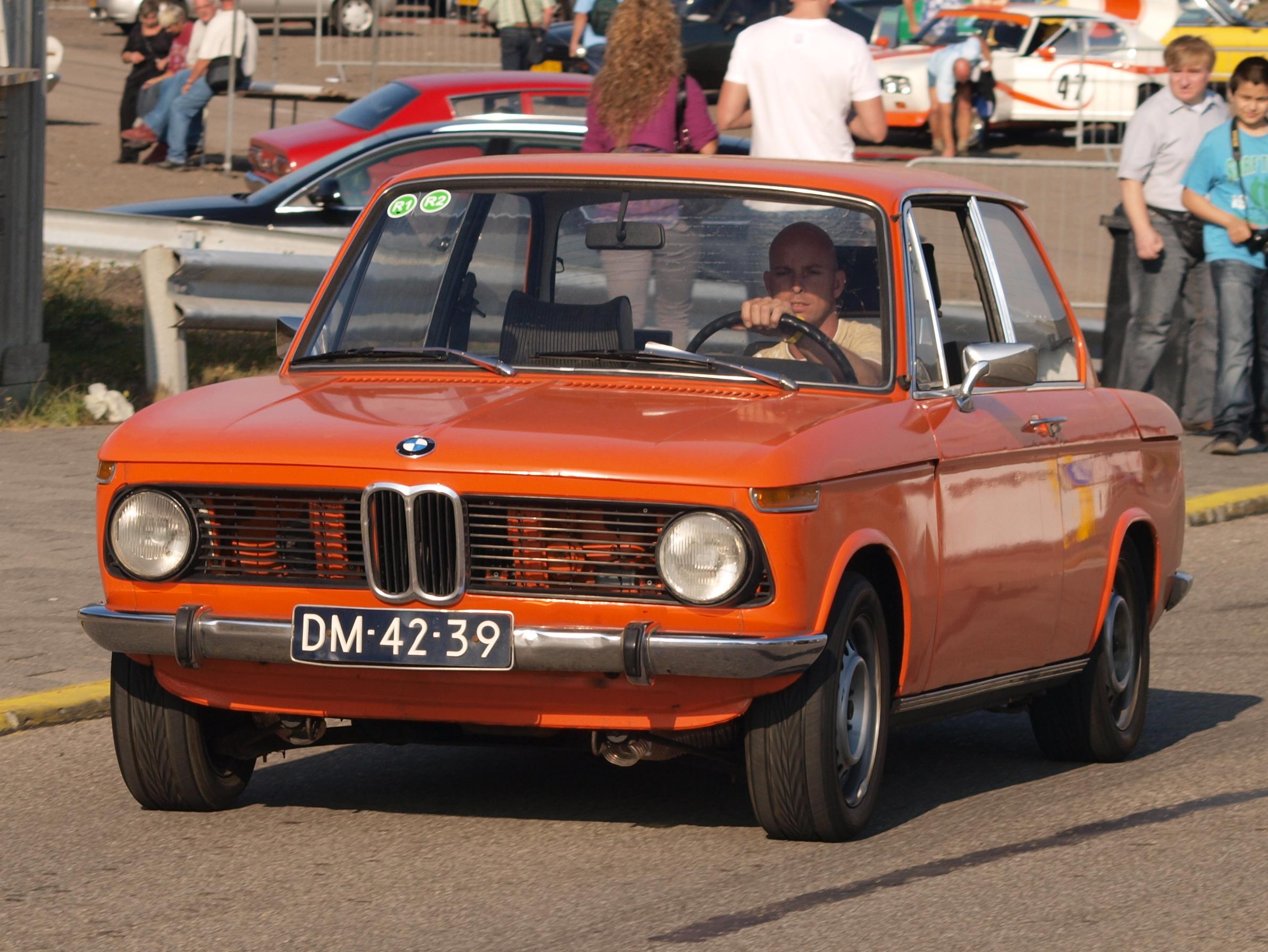 File:BMW 1600-2 dutch licence registration DM-42-39-.JPG - Wikimedia ...