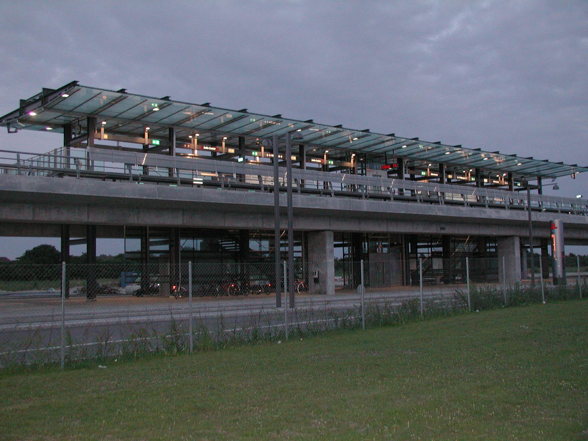 metro station bella center