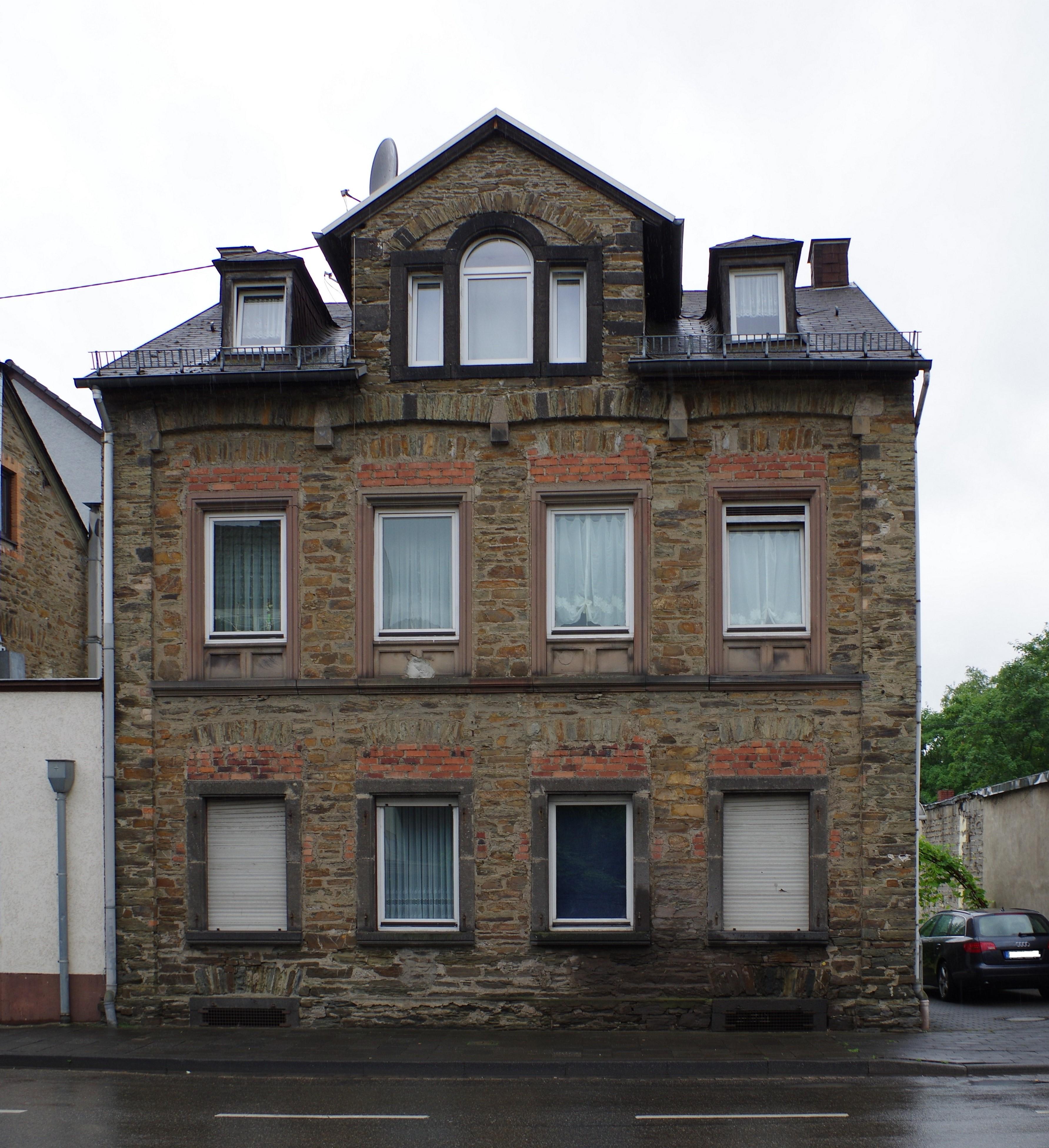 File:Bendorf, Koblenz-Olper-Straße 71.jpg