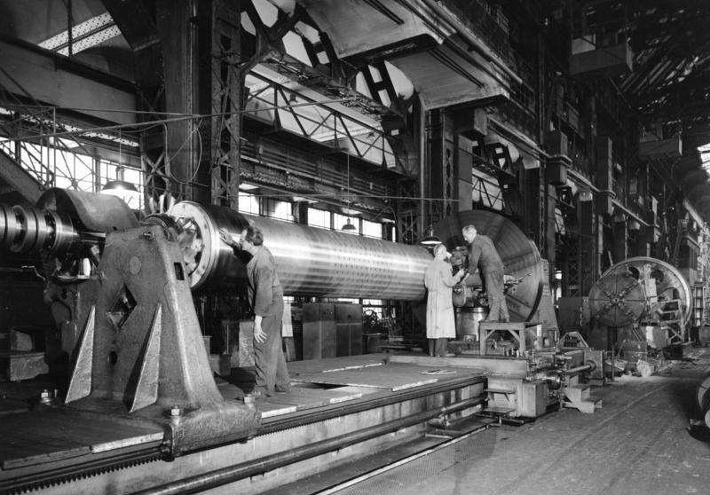 File:Bundesarchiv B 145 Bild-P011409, Berlin, AEG-Turbinenfabrik ...