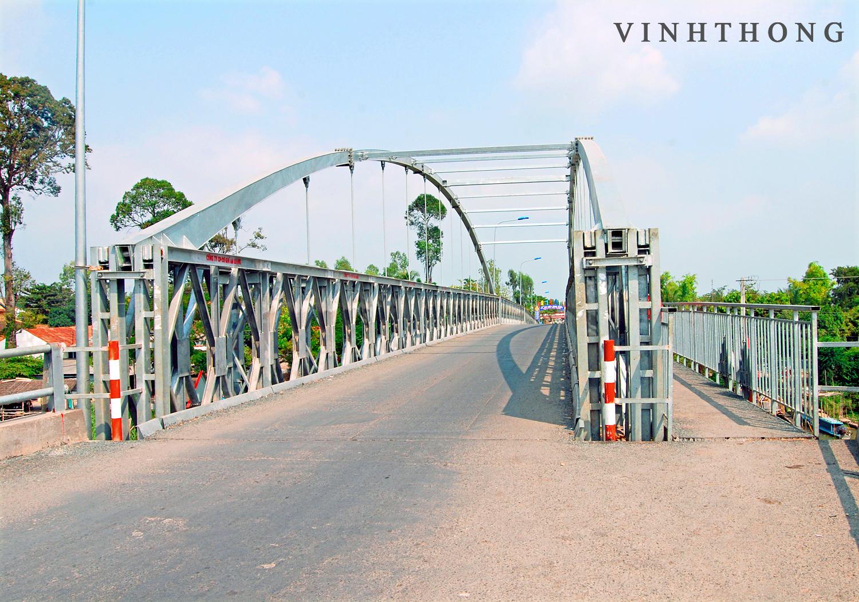 Tập Tin:Cầu Bình Thủy.Jpg