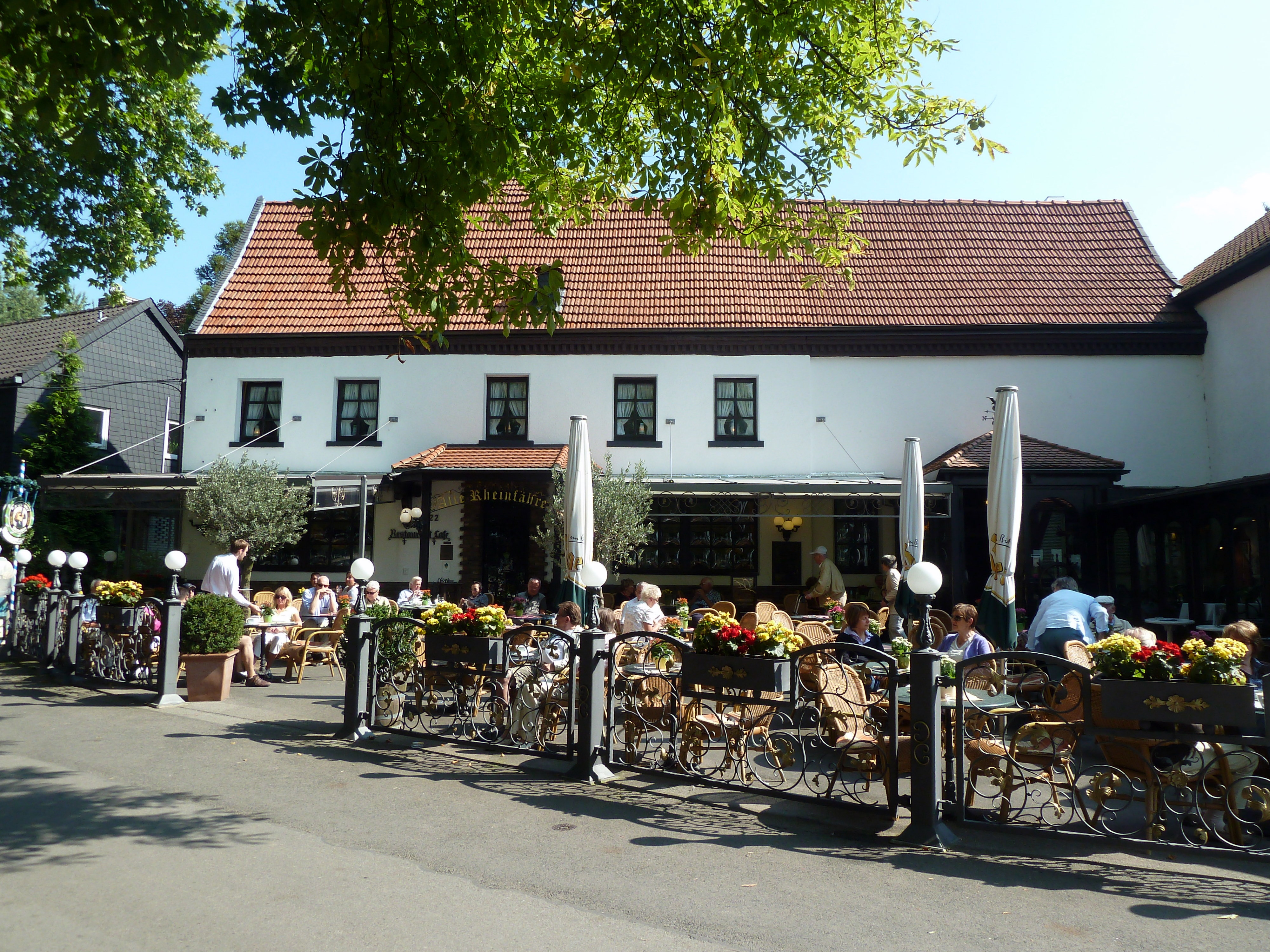 Restaurant Düsseldorf Kaiserswerth file cafe restaurant alte rheinfähre in kaiserswerth panoramio
