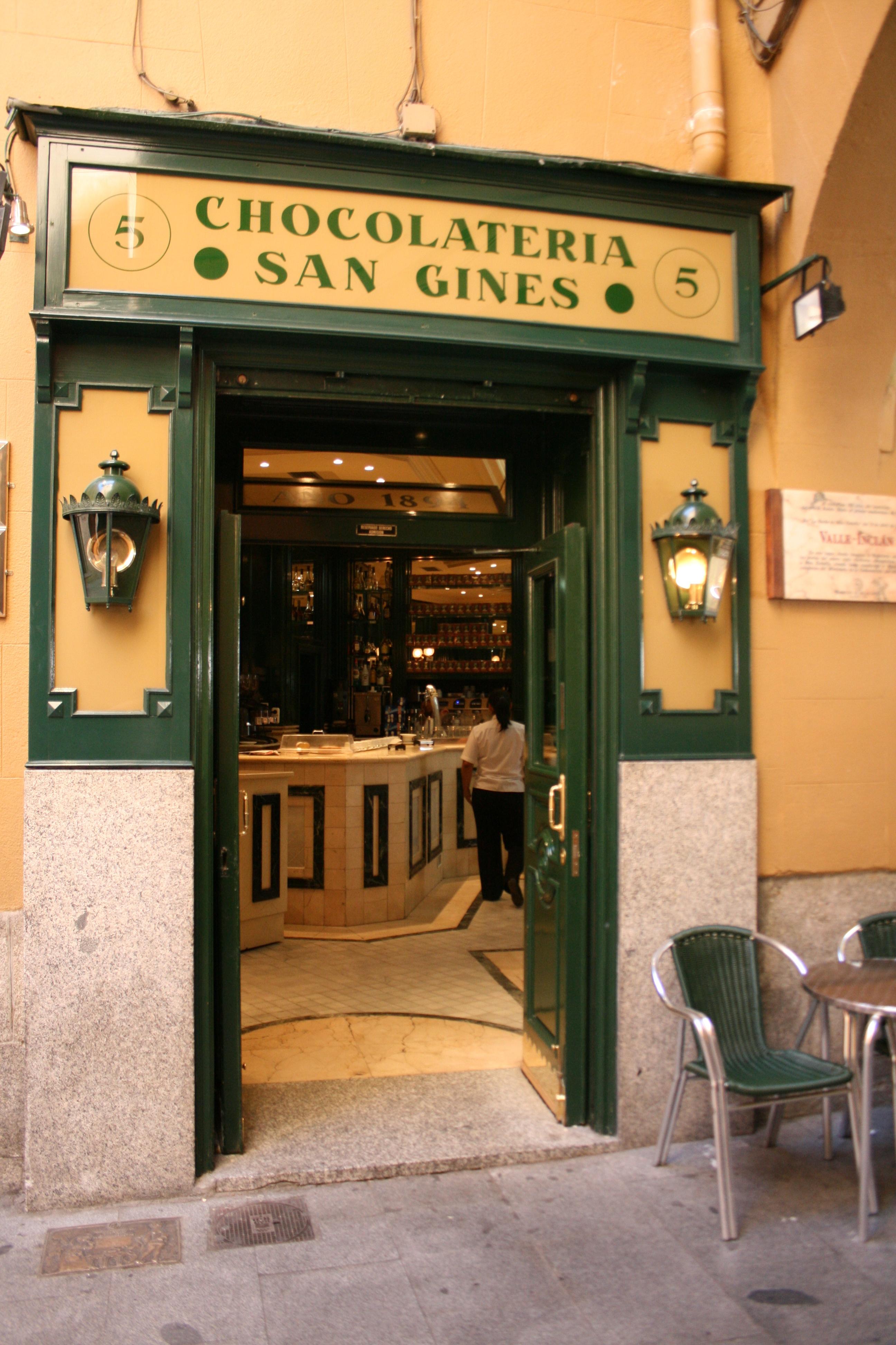 "Chocolatería ""San Gines""-Madrid-2009.jpg"