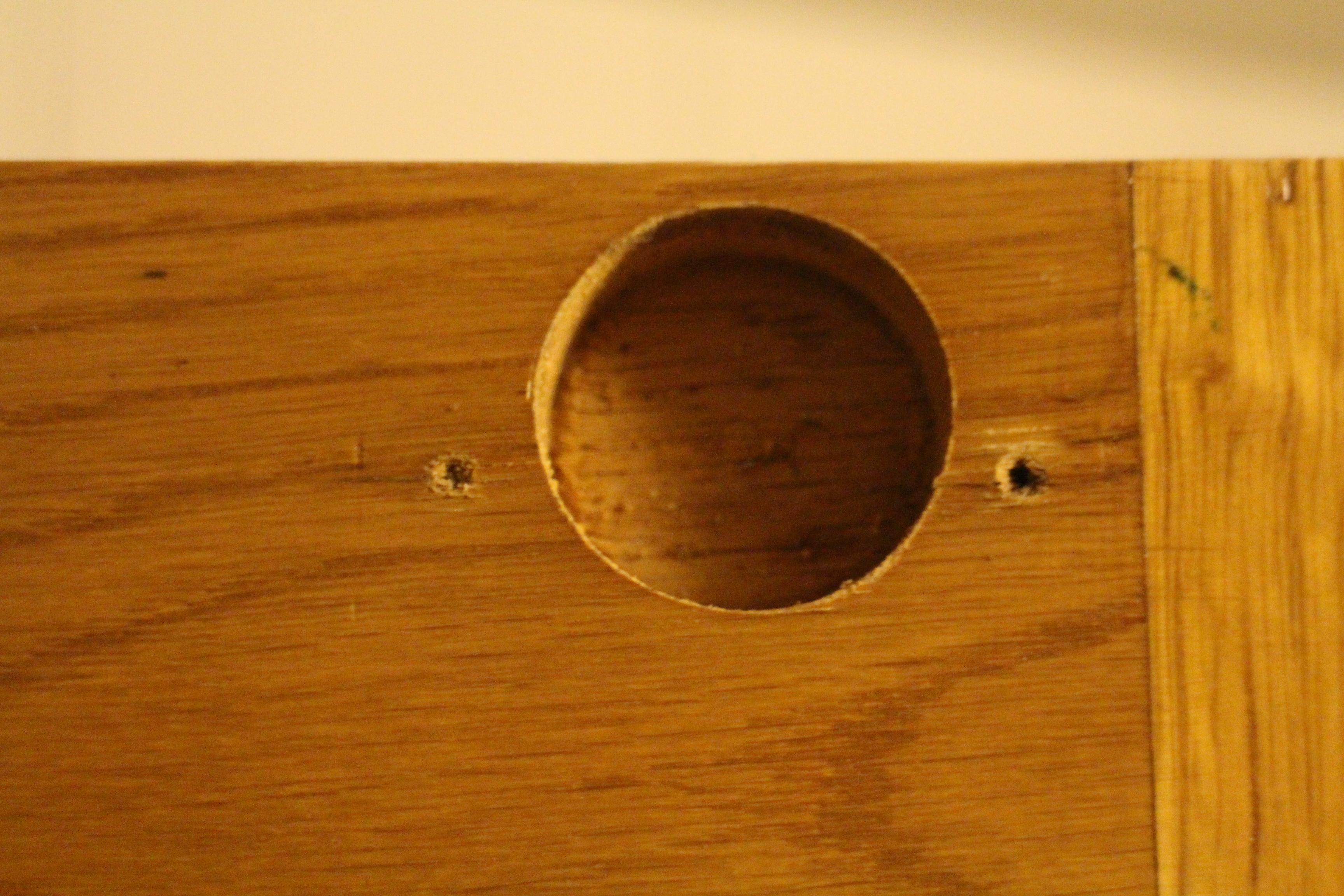 File:Concealed hinge hole.JPG - Wikimedia Commons