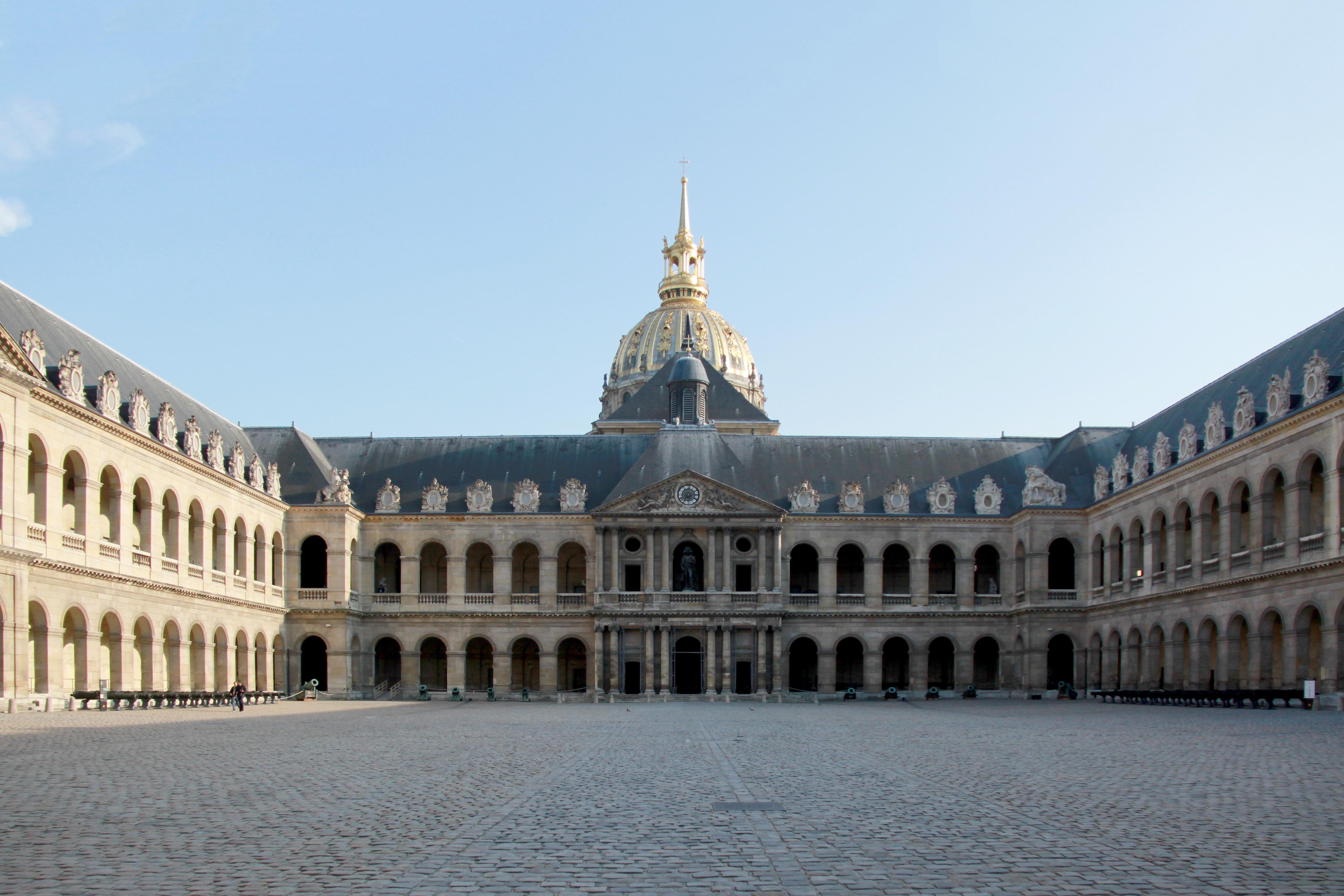 file cour d 39 honneur des invalides paris april 2011 wikipedia. Black Bedroom Furniture Sets. Home Design Ideas