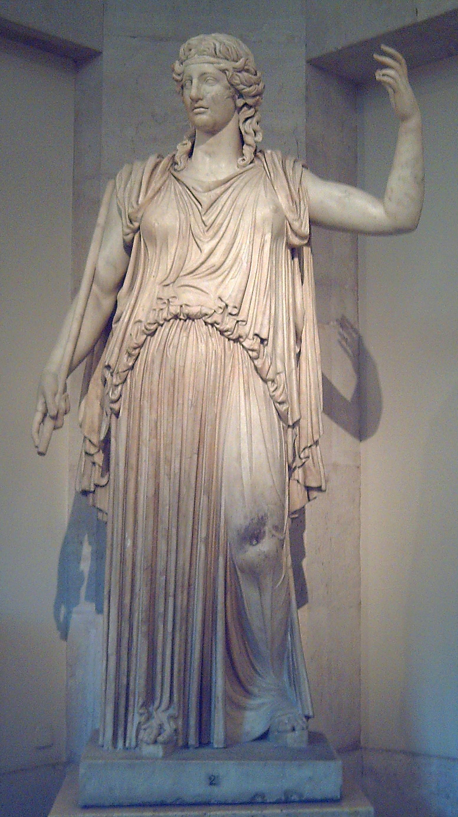 Деметра, римская копия греческой статуи