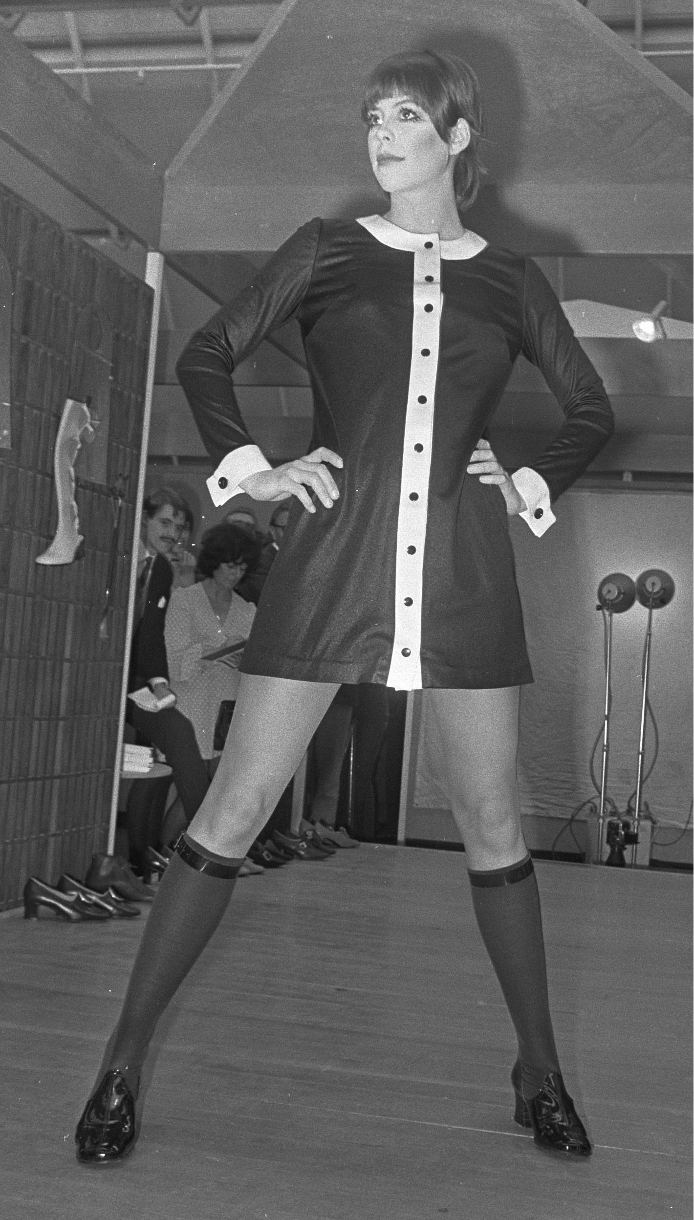 Diabolo minidress at Mary Quant fashion show, Utrecht, 24 March 1969 crop.jpg