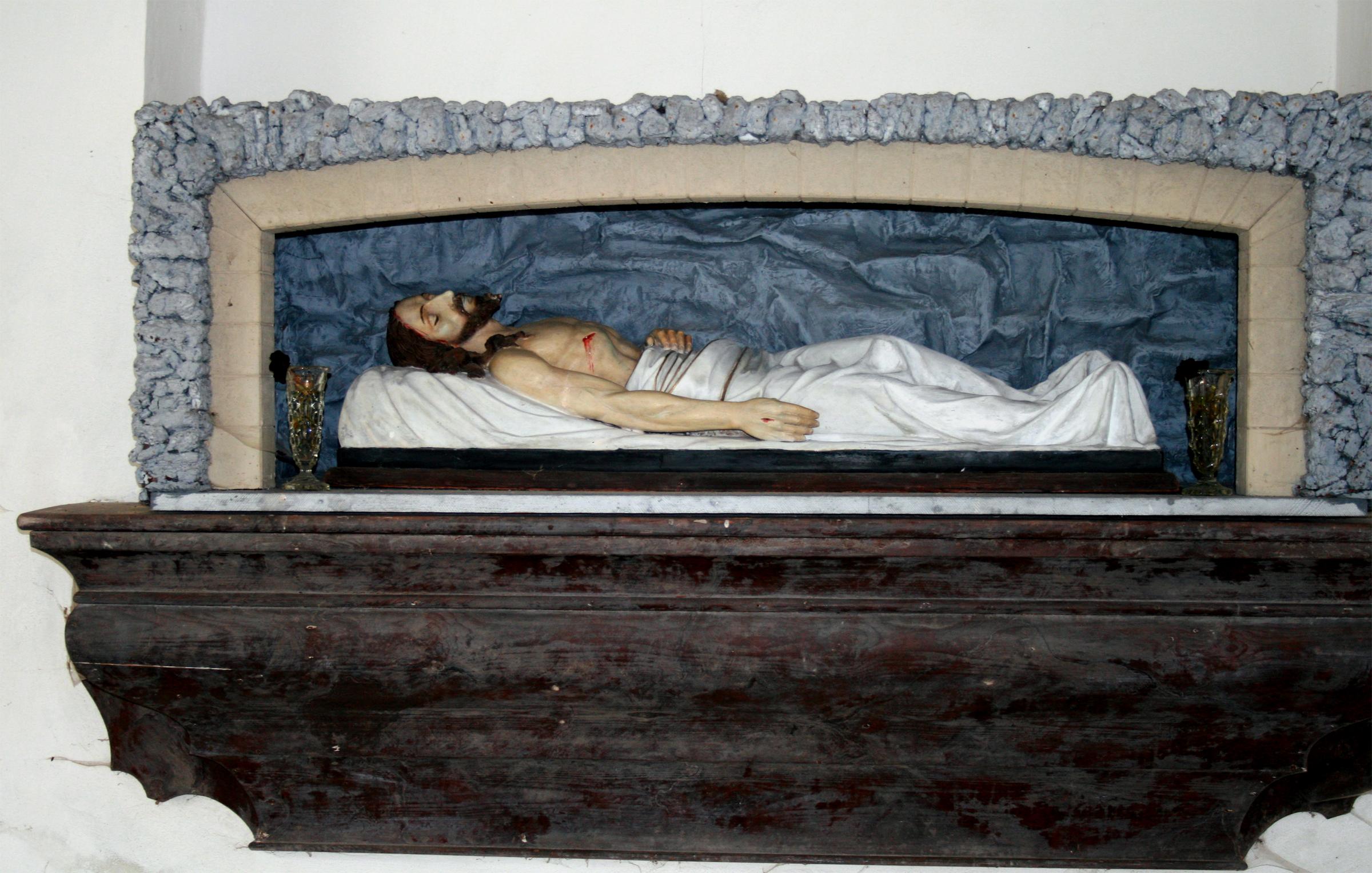 Ježíš leží v hrobě