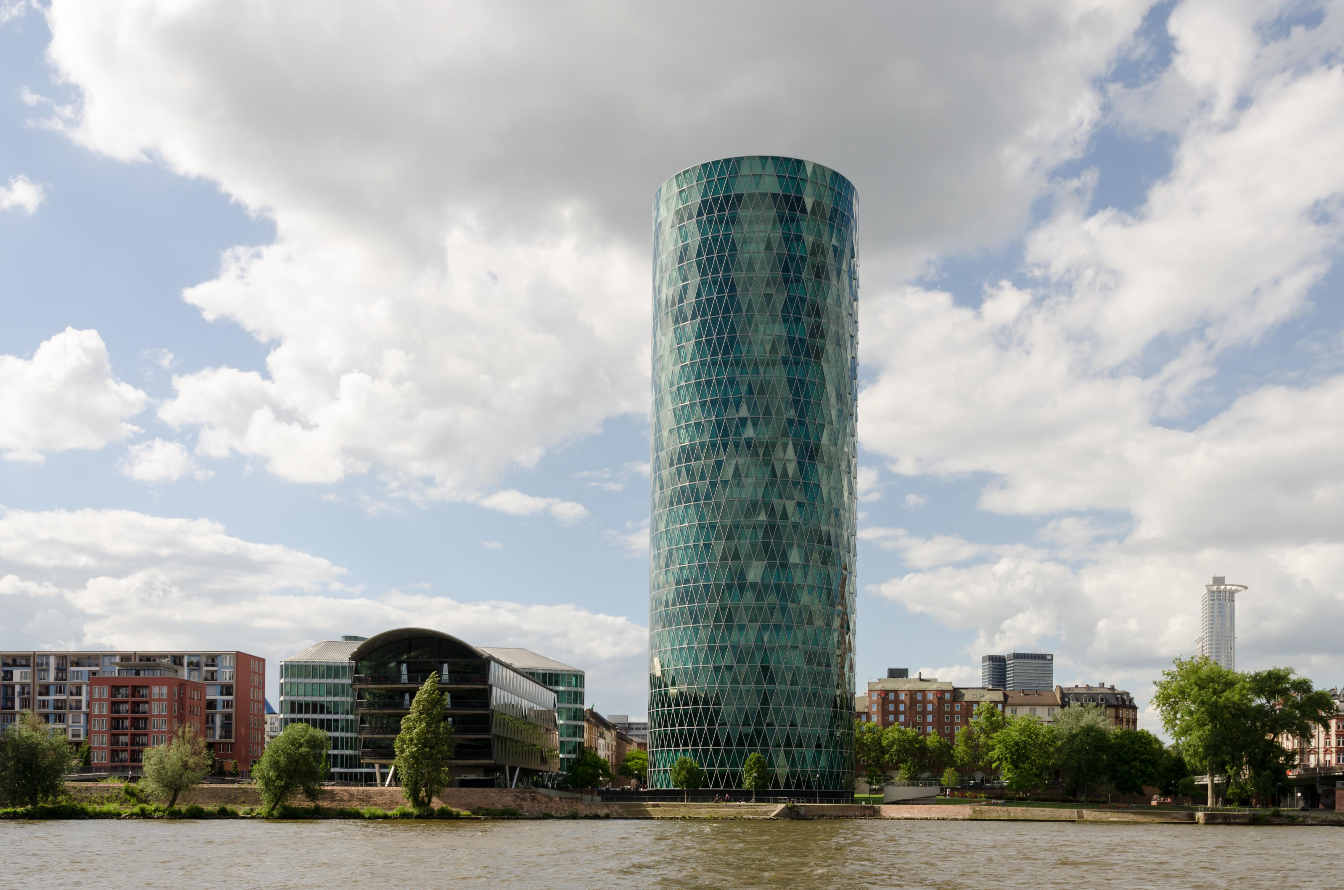 FileDresdner Bank Tower With River Main Frankfurt Germany - Frankfurt river
